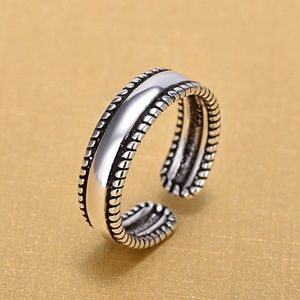 Jewelry - Silver Vintage Open Band Ring